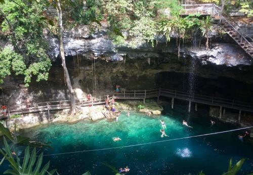 Valladolid, Cenotes, Ruines Chinchen Itza & Ek'Balam, Las Coloradas